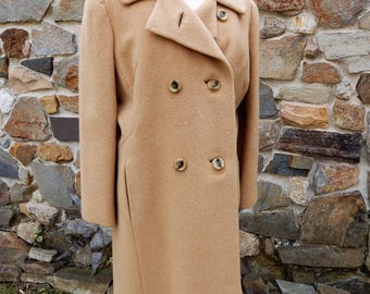 CLASSIC Vtg Camel Colored Double Breasted Camel Hair Coat sz L/XL