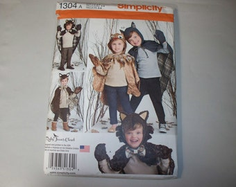 New Simplicity Childs'  Hooded, Cape, Costume Pattern, 1304 (3-4-5-6-7-8) (Free US Shipping)