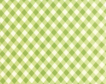 Vintage Picnic Green Check 55124 14 by Bonnie & Camille for Moda