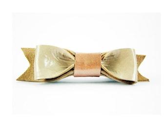 Beige leather bow brooch, Grey bow pin, Cute leather bow pin, Beige bow brooch, Leather bow pin, Minimal brooch pin, Cute girl bow brooch