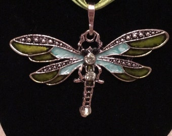 Dragonfly Pendant Necklace in Green