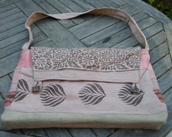 Laptop briefcase in hemp and cotton,  vegetables dyes with madder roots, woodsptamp prints,