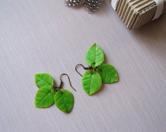 Spring birthday gift for her Spring jewelry Dangle earrings Green leaf earrings Long earrings Nature earrings Rustic earrings Unique earring