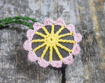 Crocheted Stone ~ Stone Jewelry ~ Stone Necklace ~ River Rock Jewelry ~ River Rock Necklace ~ Crocheted Flower ~ Flower Necklace