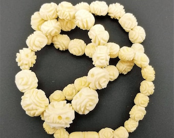 Hand-Carved Celluloid Bead Vintage Necklace - Ivory, 17""