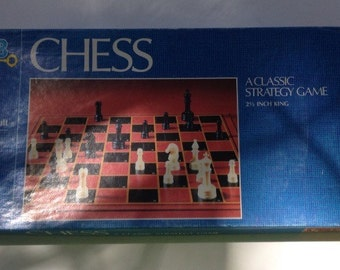 Vintage 1982 chess game
