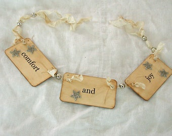 Comfort and Joy flash card ornament\/garland (cream)
