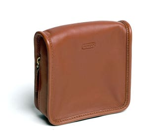 NEW! Coach British Tan Leather Toiletry Pouch Wallet Clutch Bag