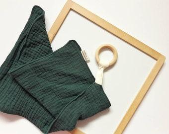 green muslin lovey - baby comforter - organic muslin cloth - muslin doudou - baby lovey - wooden teething toy - organic wood teething ring