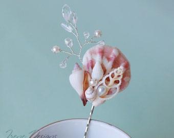 White seashell bobby pin. Beach wedding hair accessories. Nautical wedding hair pin. Shells and crystals bobby pin