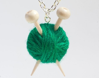 Green Knitter's Necklace - Yarn and needles