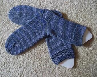 Socks - Handknitted Socks - Selfstriping Yarn in Mixed Colors of Dark Gray, Light Gray and Purple - Unisex
