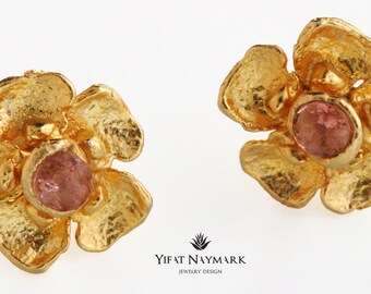 Delicate Gold plated Flower stud Earrings,Everyday Earrings, Gold Post Earrings ,Nature Inspired Earrings