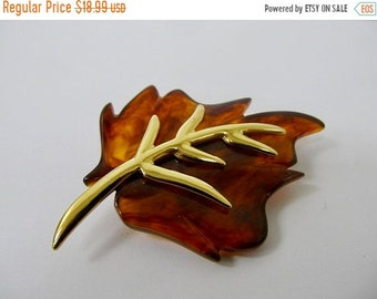 On Sale KJL Kenneth J Lane Torte Plastic Leaf Pin Item K # 366