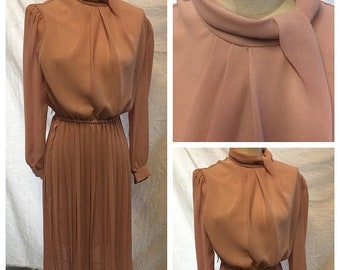 35% Off Sale Retro dusty rose mauve sheer work day dress size Small 1970 fashion