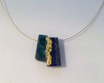 Necklace with apatite, lapis lazuli and 24 kt. Gold leaf