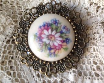 Vintage brooch, vintage porcelain Cabochon mounted pin