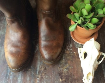 summer sale // 20% off // vintage brown leather red wing boots // 1970s rustic work boots // men's 11-12