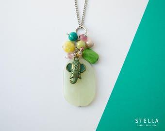 Pendentif grappe de pierres, éléphant Ganesh, jade vert pâle, collier pachyderme porte-bonheur, perles multicolore, bijou pastel
