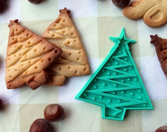 Christmas tree cookie cutter - Christmas tree cookie mold - cookie cutter with the shape of a tree with a star and christmas decoration