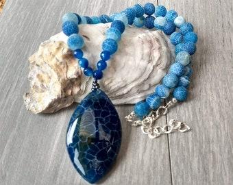 Blue agate pendant necklace, gemstone beaded necklace, pendant necklace, blue necklace, chunky necklace, statement necklace, boho necklace
