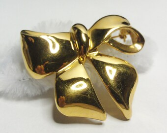 Vintage Gold Tone Bow Pin / Brooch