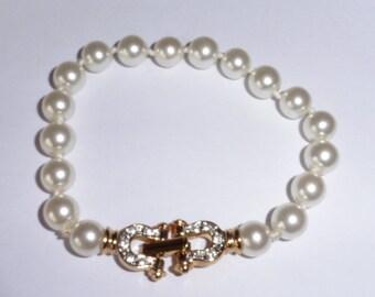 Nice Faux Pearl and Rhinestone bracelet