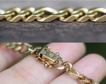 SOLID GOLD BRACELET, gold chain bracelet, 9K 9ct curb link chain, curb figaro pattern, locked box clasp, 18cm 7in 7 inch, heavy ladies mens
