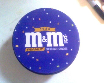 1988 M an M's Collectible Tin Peanut (Stars)