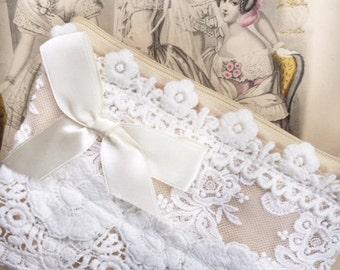 vintage lace purse. wedding purse. flowergirl purse. cosmetic purse. lace zip bag .