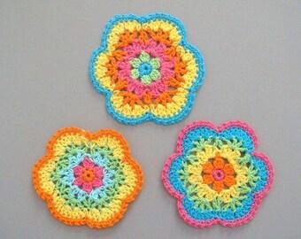 12 Large Crochet Flower Appliques EA113
