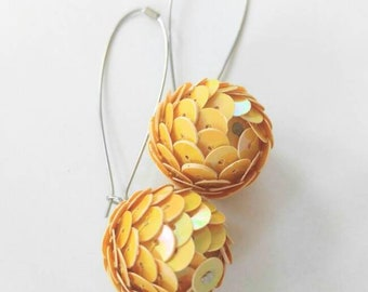 VERY UNUSUAL Vintage earrings-Scaled/Scales ball-Yellow-All Orders Only .99c Shipping!