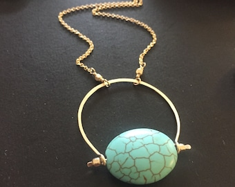 Collier pendentif Cresecnt turquoise et or