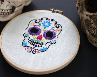MADE TO ORDER! Sugar Skull Day of the Dead Halloween - Embroidery Wall Hang in 6 inch Wooden Hoop Frame