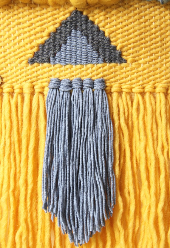 Woven wall hanging Wall decor / modern tapestry fringes