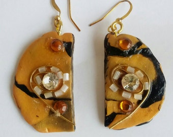 Artistic earrings