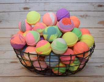 12 Handmade Bath Bombs Various types Colors and Scents Premium Quality