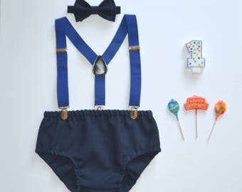 Blue Cake Smash Outfit Boy -- 1sth Birthday Outfit Boy -- Blue Suspenders & Navy Bow Tie with Navy Diaper Cover