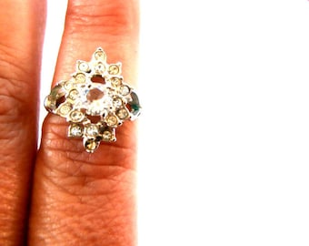 Vintage  Uncas Ring  One  Glass Crystal  Prong Set Rhinestone Small Glass Rhinestones  Tone  Size 7 1960's Uncas Jewelry