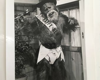 Harry And The Hendersons, Have a Harry New Year, 1993 MCATV Press Photo, Vintage Hollywood Collectible