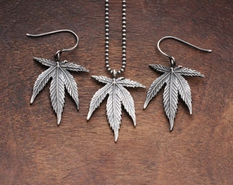 """5-leaf cannabis necklace + earrings set  