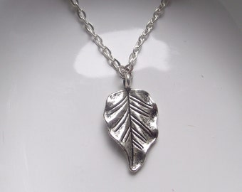 Leaf Necklace Silver tone light weight