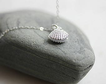 925 Silver Clam Shell Necklace , Clam shell Necklace, Minimalist Necklace , Beach Necklace, Sea Necklace, Nautical Jewelry, Gift for her