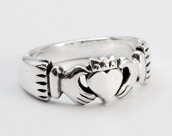 Claddagh ring - silver