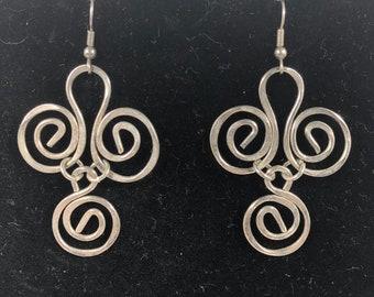 Vintage Silver tone dangle earrings