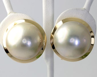 Vintage Mobe pearl earrings 18K yellow gold bold 19.6 MM gem dramatic