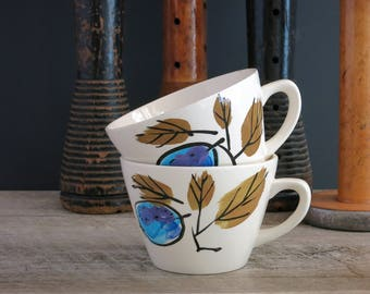 Vera Forbidden Fruit Cups Mugs - Pair of Vera Neumann Forbidden Fruit Teacups Tea Cups - Vera Island Worcester - Blue Plums Green Leaves