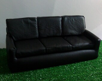 Sofa Black leather furniture, 1: 6 scale, 12-in doll furniture, living room diorama furniture, doll house, barbie momoko blythe, dollroom