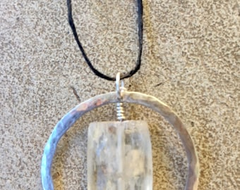 Stylish sterling silver and quartz necklace