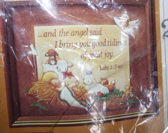 Creative Circle KIT Good Tidings 2143 Needlework Crewel Luke 2: 8-10  The Angel Said I Bring You Good Tidings of Great Joy